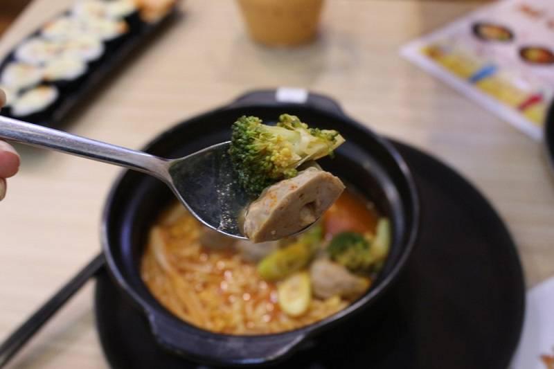 mi-cay-june-noodle-thuong-hieu-mi-cay-dau-tien-tai-viet-nam(1)