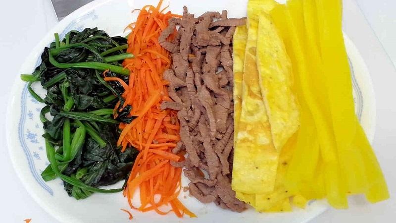 cach-lam-kimbap-trung-cuon-ngon (6)