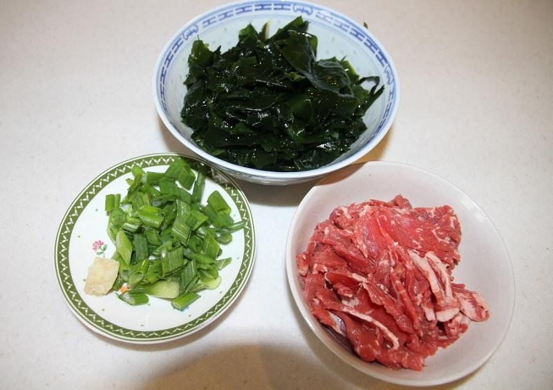 cach-nau-canh-rong-bien-thit-bo-chuan-vi-han-ma-khong-bi-tanh (4)