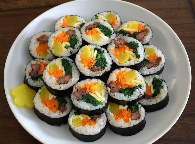 mon-cuon-kimbap