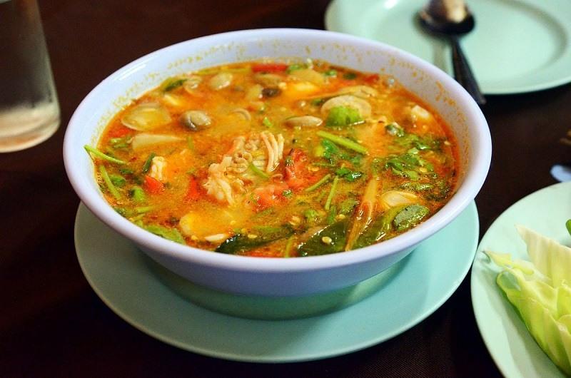 huong-dan-cach-lam-lau-tom-yum-chuan-vi-thai (2)